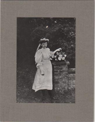 Winnie Loach, May Queen